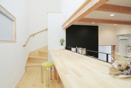 スキップフロアを楽しむ自然素材の家
