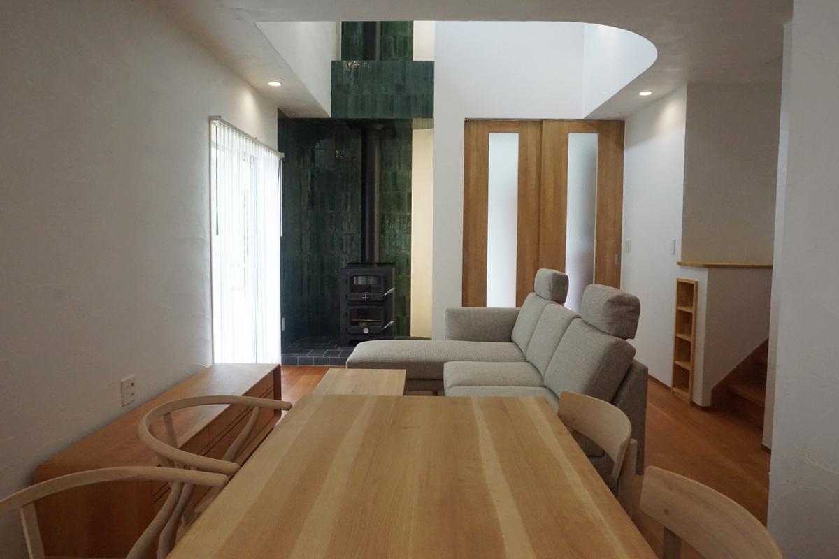 薪ストーブのある暮らしを楽しむ家